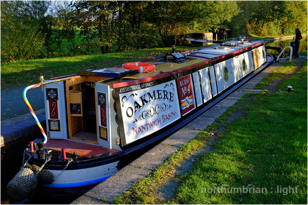 Narrowboat Oakmere in the evening light ...