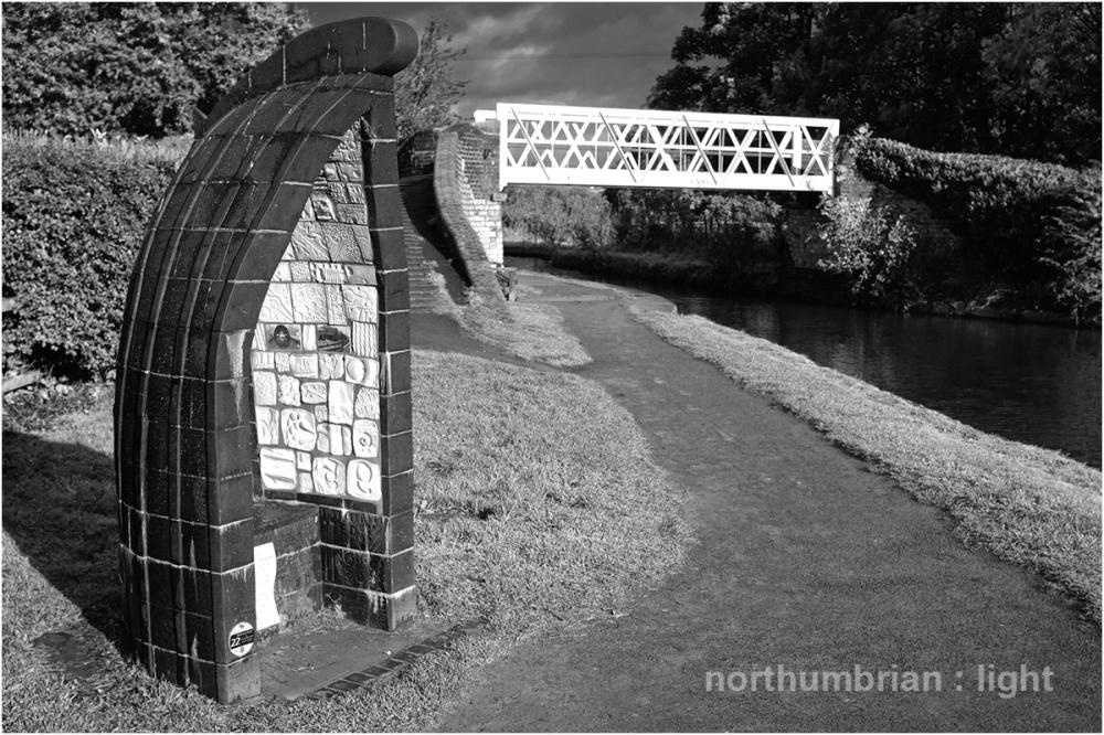 Artwork at Ellesmere Junction ...